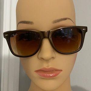 Ray Ban sunglasses 2132, New Wayfarer